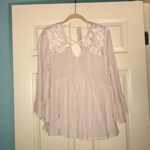 American eagle flowy top with lace detail